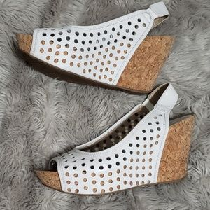 KENNETH COLE 💋 WEDGES